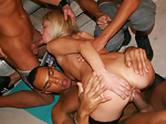 Spectacular blonde banged by 3 athletes