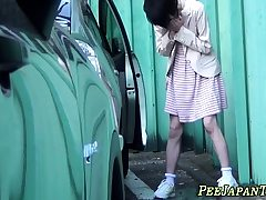 Japanese newbie pissing