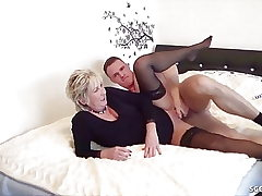 GERMAN STEP Sonnie CAUGHT MOTHER wank and help with Fuck