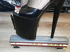 Lady L crush train with sumptuous black 20 cm extreme high heels.