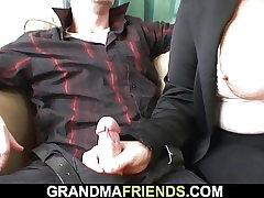 Ash-blonde old grannie double fucked on the table