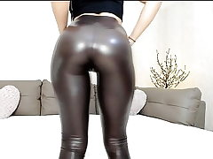 Hot webcam teen in shiny stretch pants with excellent culo taunt